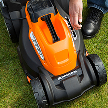 Battery cordless charger mower lawnmower lawn key grass powerful samsung