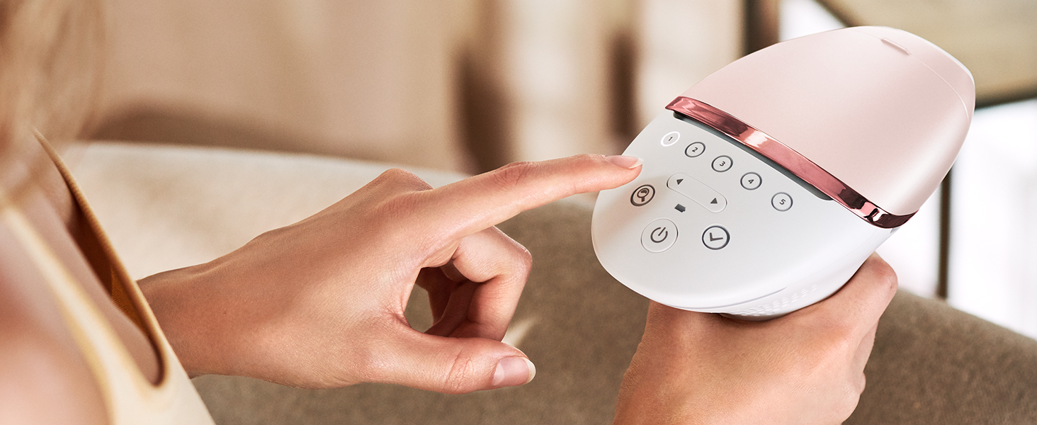 Choose the right level for your skin tone using the SmartSkin sensor.
